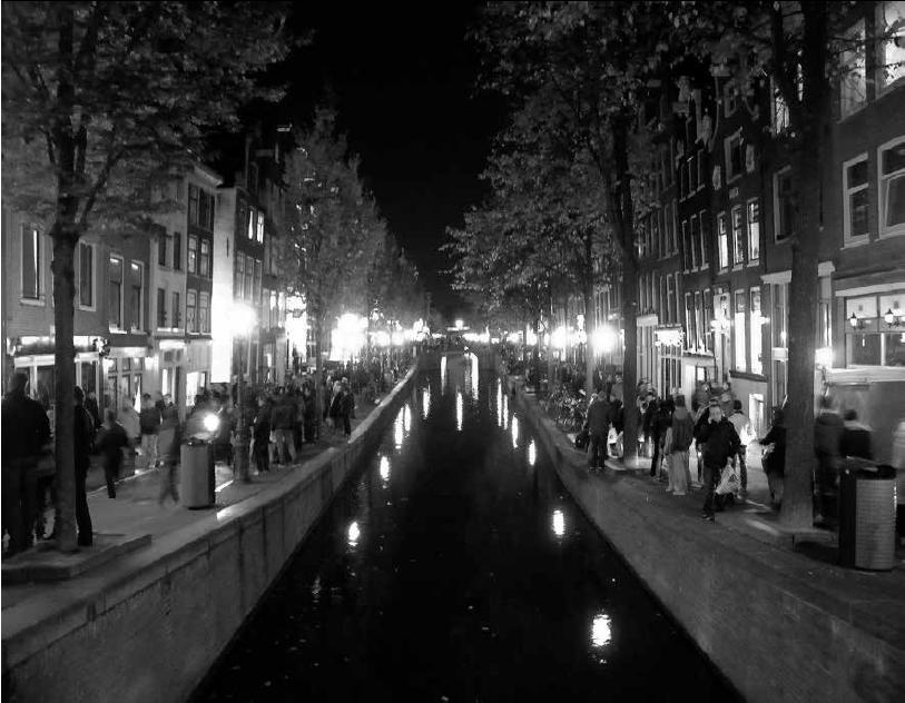 Strijd om de straat in de Amsterdamse Wallen